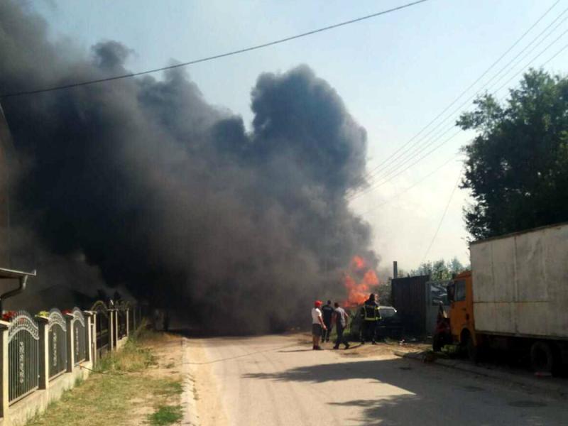 Požar u Vranju - na terenu vatrogasci i vojska