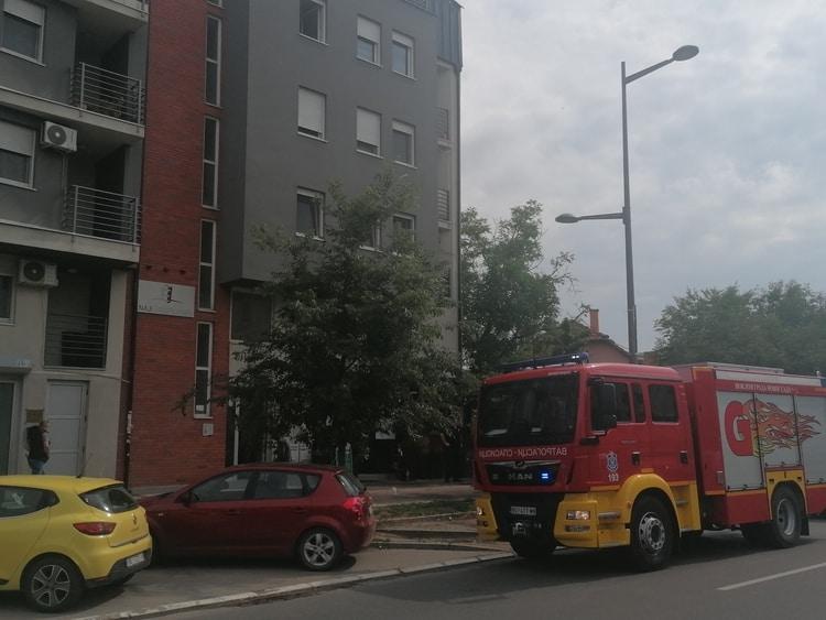 Požar u kafeu Priča na Telepu u Novom Sadu, vatrogasci brzo lokalizovali vatru