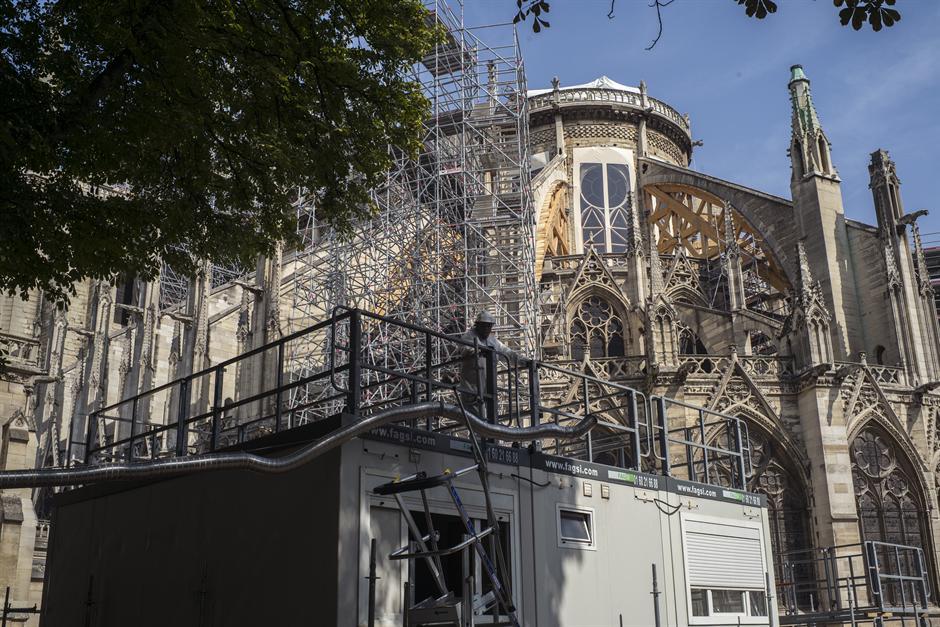 Požar u katedrali Notr Dam UGROZIO zdravlje Parižana