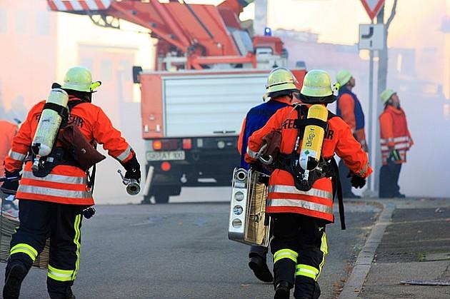 Požar u novosadskom Centru za socijalni rad, dve žene se nagutale dima