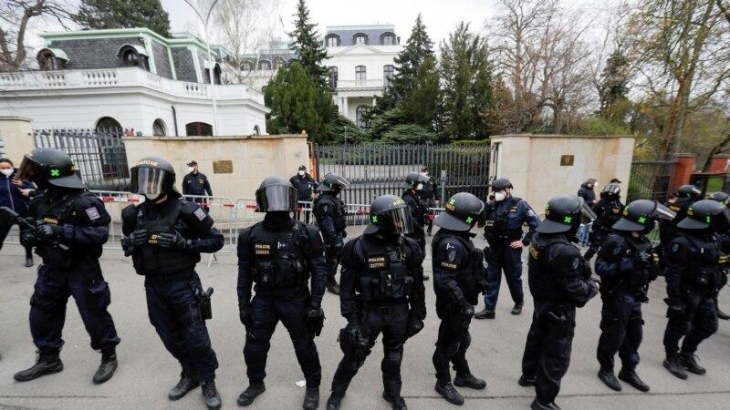 Prag i Moskva međusobno proterali diplomate zbog spora oko eksplozije 2014.