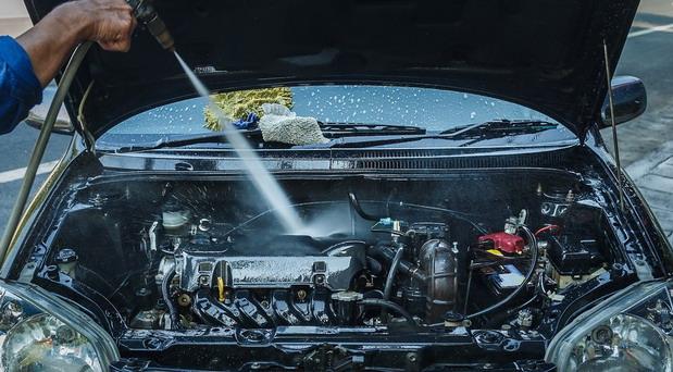 Pranje motora – čime, kako, da li je rizično…