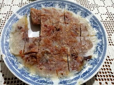 Prave se na Krstovdan, a jedu na Bogojavljanje: Tradicionalan recept za pihtije