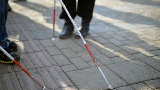 Pred slepima u Srbiji nisu samo fizičke barijere