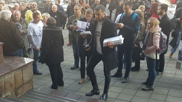Predata peticija za oslobađanje Aleksandra Obradovića