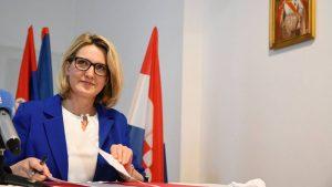 Predsednica HNV-a uputila zahtev Vučiću da hrvatski bude u službenoj upotrebi