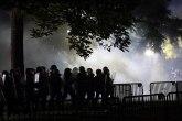 Predsedniče, ispred tvoje kuće smo; Tajne službe celu noć čuvale Belu kuću od demonstranata VIDEO/FOTO