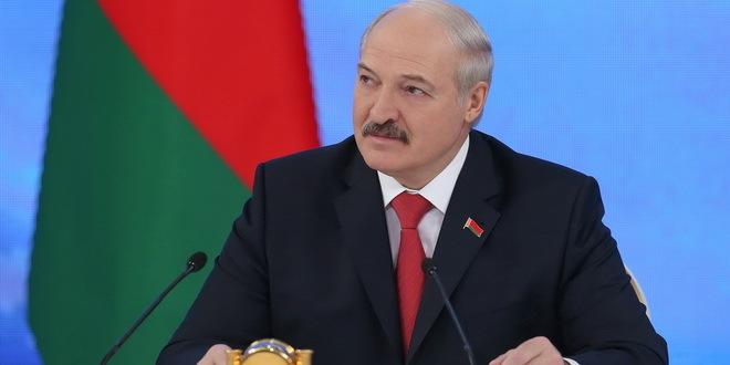 Vučić i Lukašenko položili vence na spomenike oslobodiocima