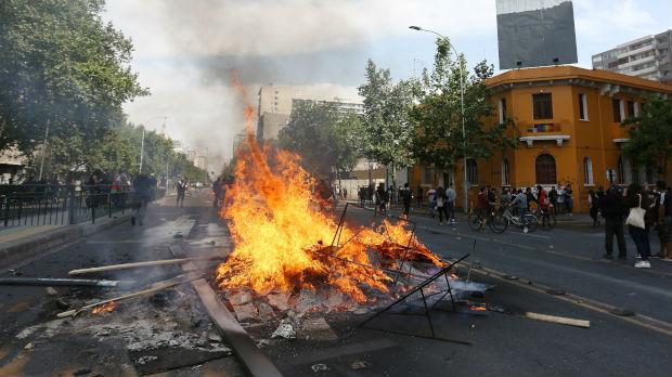 Predsednik Čilea: Zemlja je u ratu