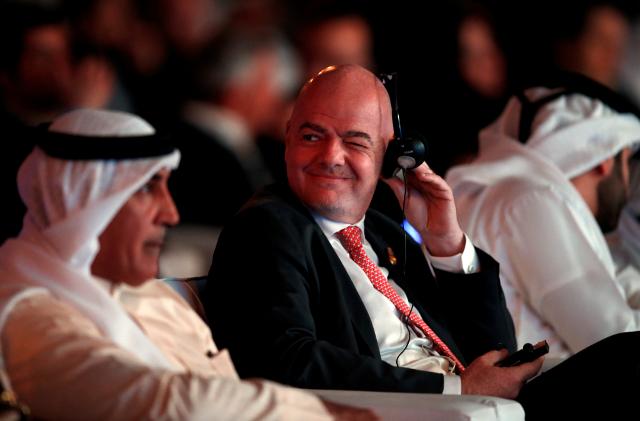 Predsednik FIFA ima koronavirus, Maradona u izolaciji...