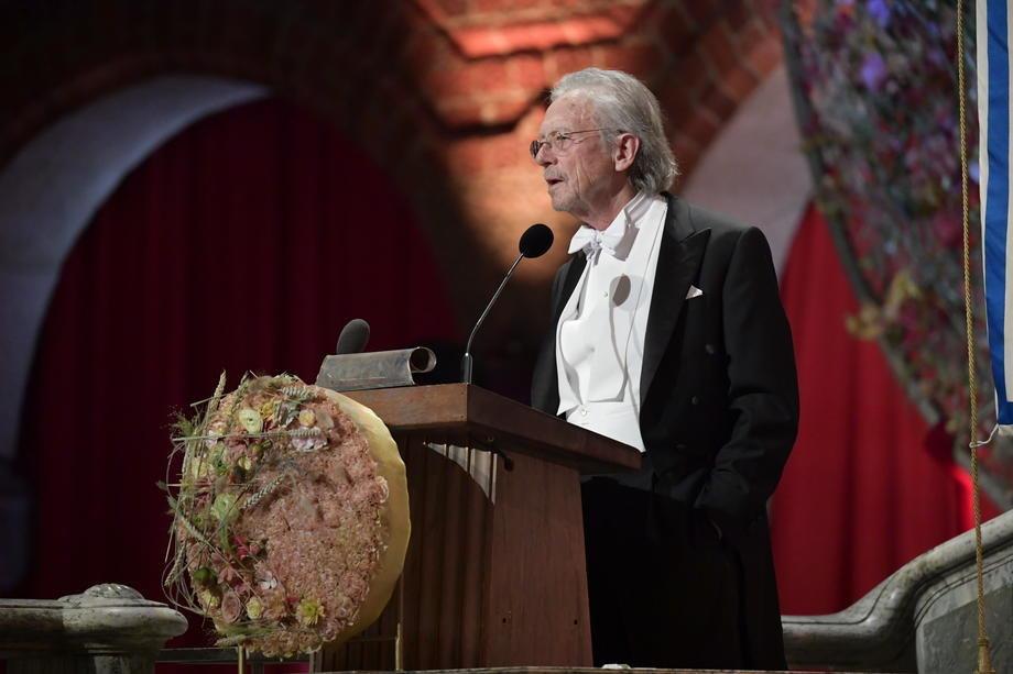 Nobelovcu Handkeu orden Karađorđeve zvezde; Predsednik: Zahvalnost Srbije akademiku i prijatelju