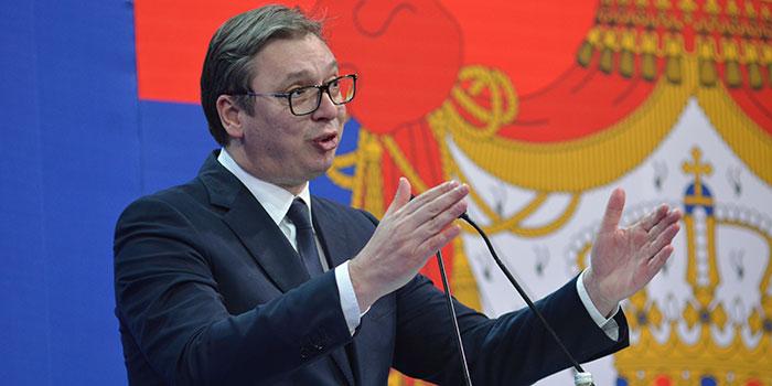 Predsednik Vučić primljen u bolnicu