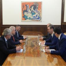 Predsednik Vučić sastao se sa delegacijom finske kompanije Nokia (FOTO)