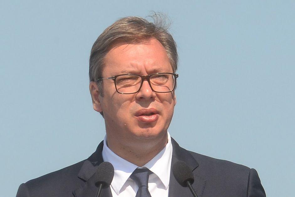 Vučić u Gornjem Milanovcu: Samo uz podršku građana odolećemo svim pritiscima