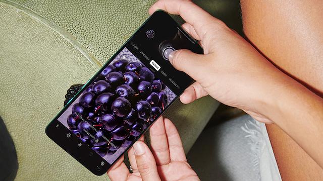 Predstavljen OnePlus 8T pametni telefon