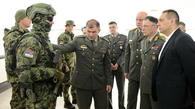 Predstavljene nove uniforme pripadnika Vojske Srbije