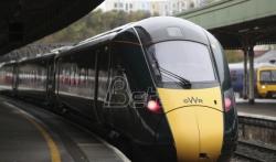 Prekinuto saobraćanje brzih vozova u Britaniji posle otkrića naprslina