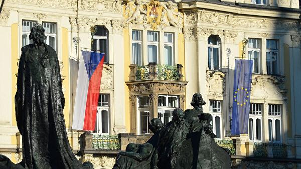"""Premijer Češke pozvao članice EU da """"proteraju bar po jednog ruskog diplomatu"""""""