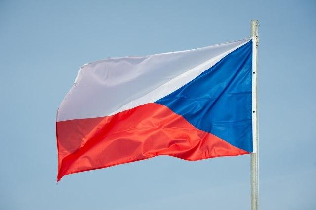 Premijer tajno kupio ruske vakcine - vlada visi o koncu