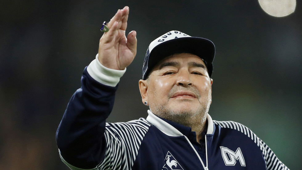 Preminuo Diego Armando Maradona
