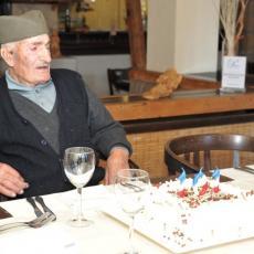 Preminuo najčuveniji Zlatiborac u 104. godini: Deda Panto bio je čuvar tradicije na srpskoj planini (FOTO)