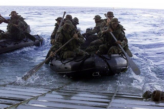 Presedan: Stigla dva desantna broda Hrvatske, iz njih izašlo stotinu vojnika Albanije i Kosova