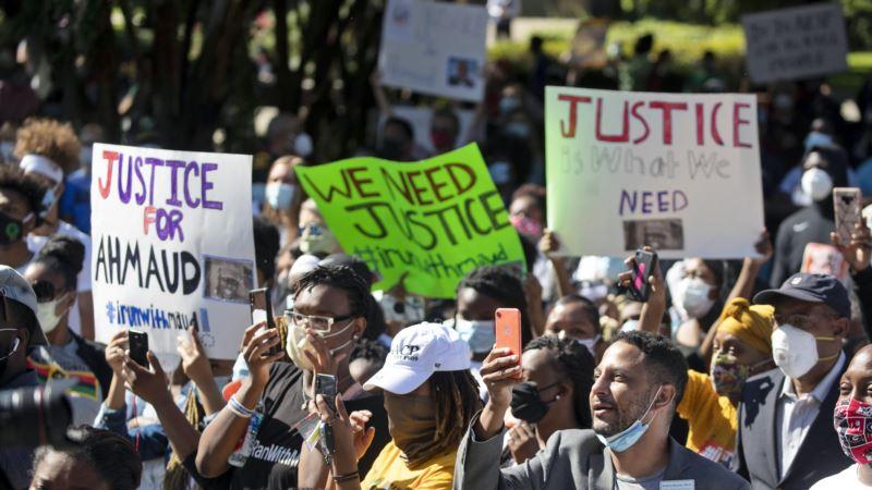 Pretnje ljudima koji protestuju zbog ubistva Afroamerikanca