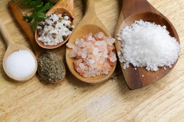 Previše soli može da bude opasno po zdravlje, ali evo zašto nam je ona neophodna VIDEO