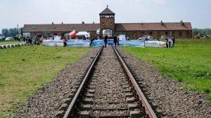 Preživeli se okupljaju u logoru Aušvic 75 godina posle njegovog oslobađanja