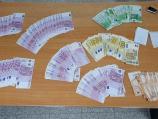 Prijavio 3.500 evra, carinici mu pronašli preko 100.000 u džepovima