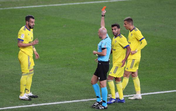 Primera - Kadiz slavio sa DEVET igrača, Sevilja do pobede u nadoknadi! (video)