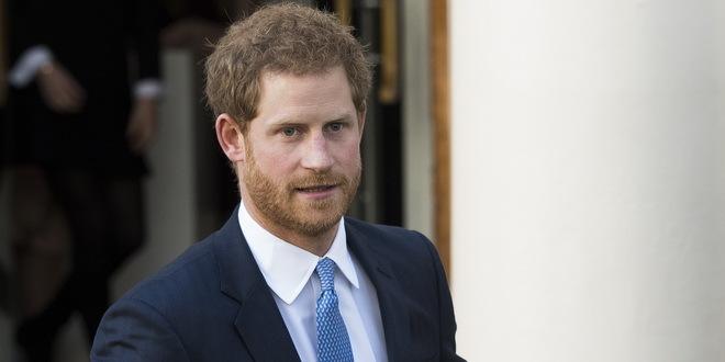 Princ Hari se vratio u Britaniju da prisustvuje sahrani dede