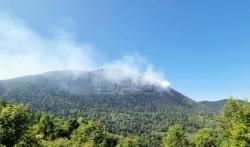 Pripadnici MUP-a Srbije pomažu u gašenju požara na planini Stolac iznad Višegrada