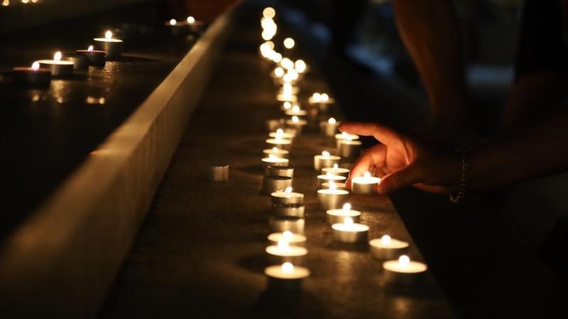 Priština: Paljenje sveća za žrtve nesreće u Hrvatskoj