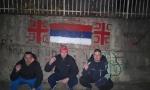 Privedena trojica Bijepoljaca, nacrtali srpsku trobojku i ocila pored puta (FOTO)