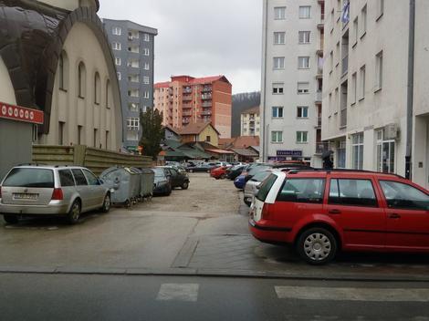 Problem parkiranja i dalje muči Zvorničane: Nova parking mesta u aprilu, počinje i naplata po zonama