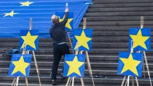 Projekcije Evropskog parlamenta: Ubedljiva većina za proevropske stranke