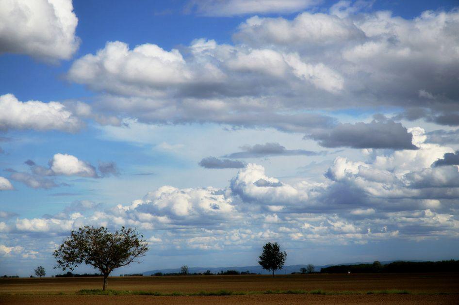 Promenljivo oblačno i sveže, toplije od četvrtka