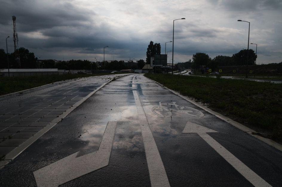 Promenljivo oblačno, mestimično kiša i pljuskovi
