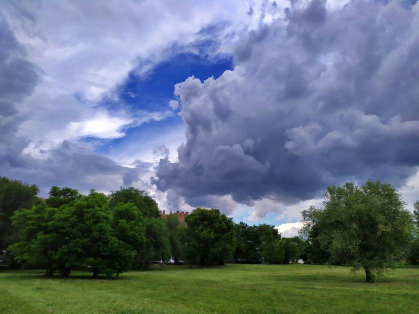 Promenljivo oblačno, poslepodne kiša, do 29 stepeni