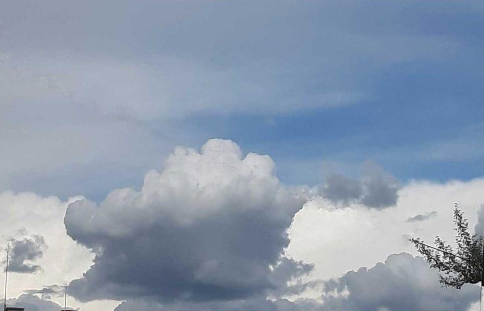 Promenljivo oblačno, pre podne sa sunčanim intervalima