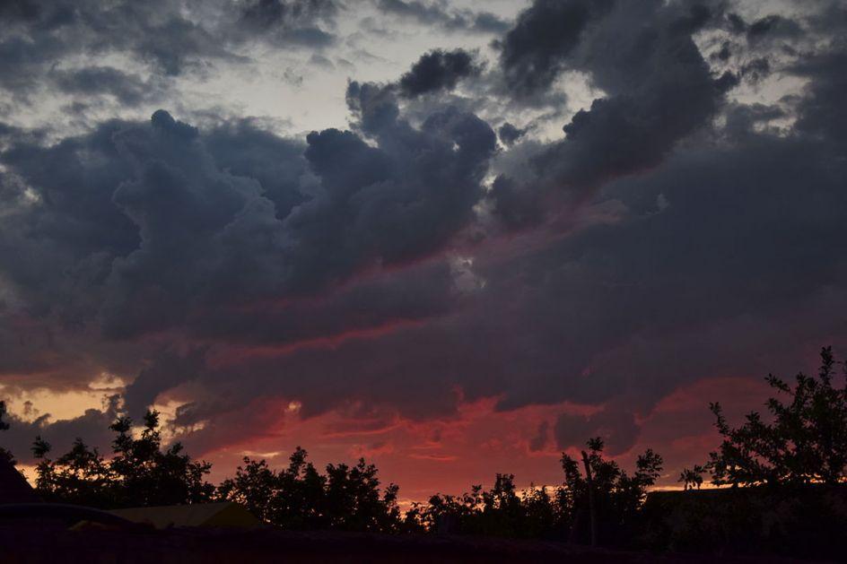 Promenljivo oblačno sa sunčanim intervalima