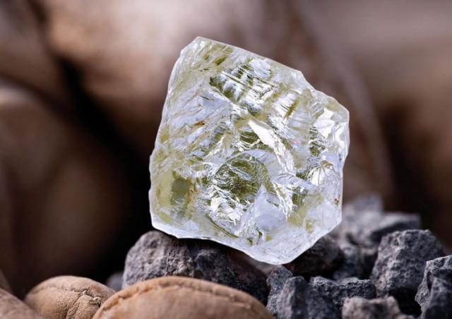 Pronađen jedinstven dvostruki dijamant: Star 800 miliona godina VIDEO