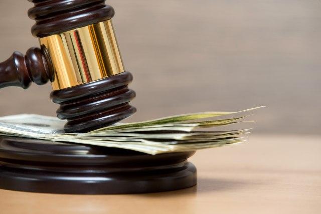 Propala firma tuži bivšeg radnika: Traže da im vrati 3.500 evra otpremnine