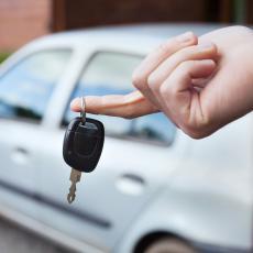 Prosečna starost vozila u Evropskoj uniji 10 godina, a koliko su STARI AUTOMOBILI koje voze naše komšije?