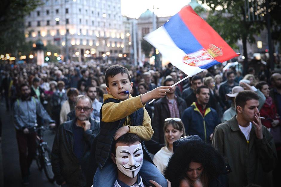 Protest, dan 19. - Demonstrant pao u nesvest