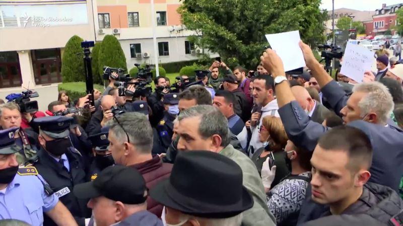 Protest i pozivi na prevremene izbore u danu biranja nove Vlade Kosova