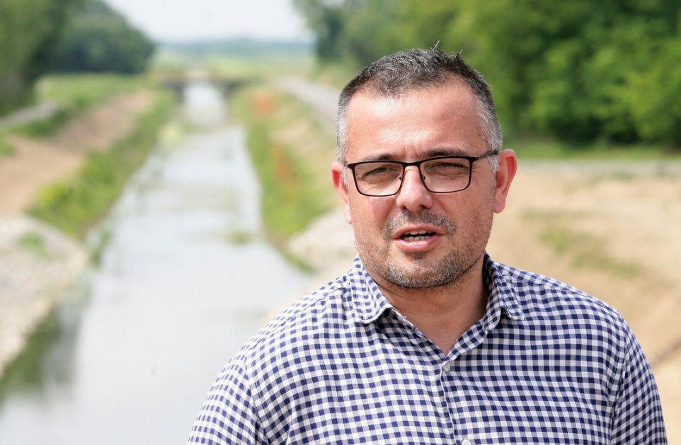 Protest ispred Ministarstva; Nedimović: Protestovao SzS, ne poljoprivrednici