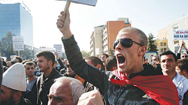 Priština, hiljade ljudi na protestu protiv korekcije granica