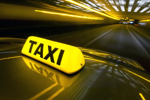 Protest prevoznika: Taksisti traže da ih primi neko iz državnog vrha